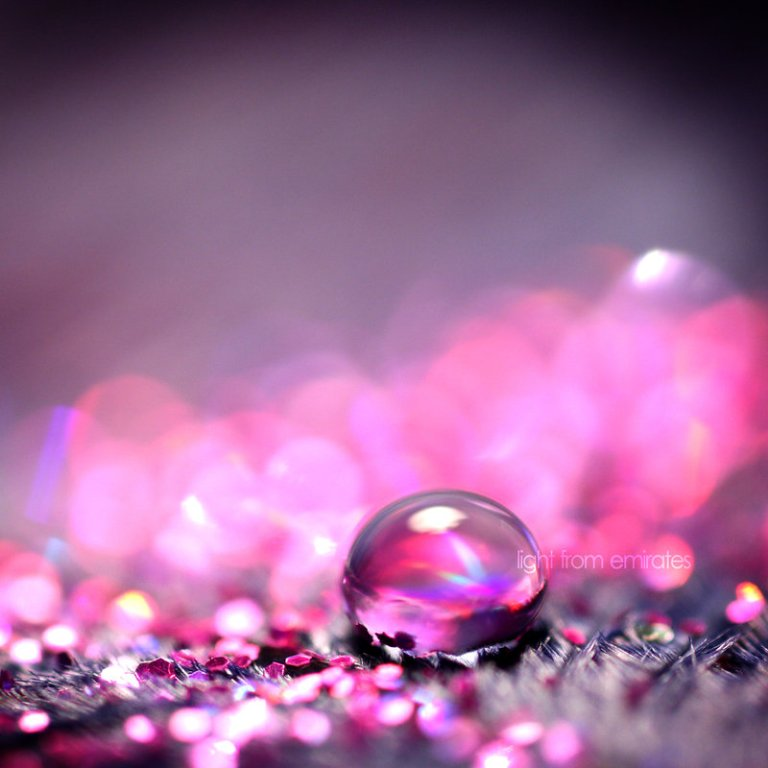 pink_droplet_by_light_from_emirates_1509372473